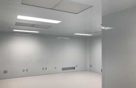 Cell Processing Lab - 550 x 354 - Cleanroom - Empty