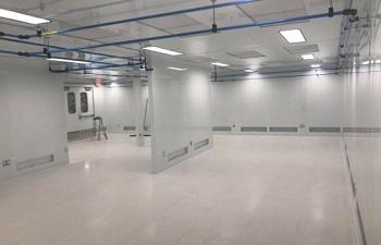 Cleanroom - Inside 550 x 354 (2)